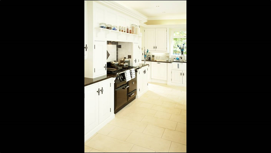 Rregency Kitchen 3